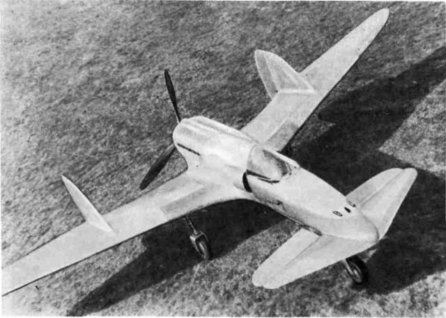 По своему назначению это был самолет-истребитель с убирающимся трехопорным шасси и мощным стрелково-пушечным вооружением, состоящим из одной пушки калибра 30 мм и двух пушек 20-мм калибра. Общие летно-технические характеристики SS-4 так и не были превзойдены другими винтовыми самолетами схемы 'утка'.