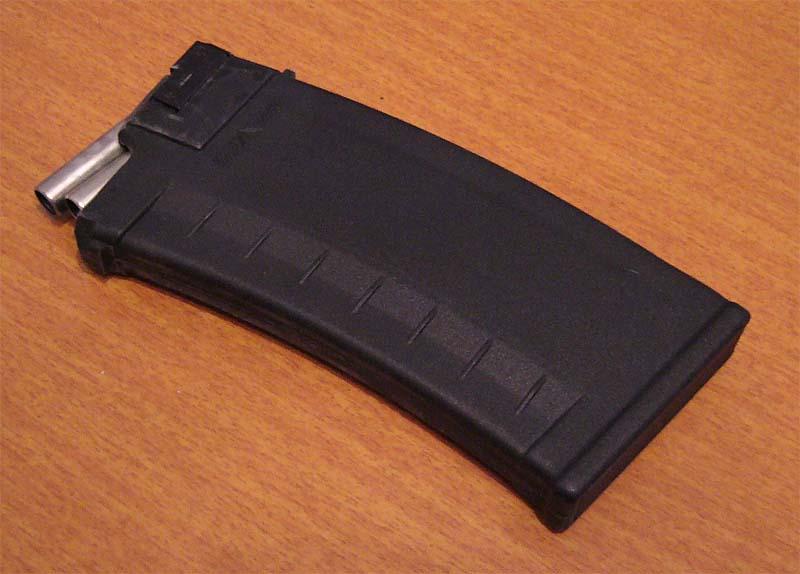 Продам сайгу 410 к-02,2009 год выпускасделано с неё всего 5 выстрелов,остальное время пролежала смазанная в